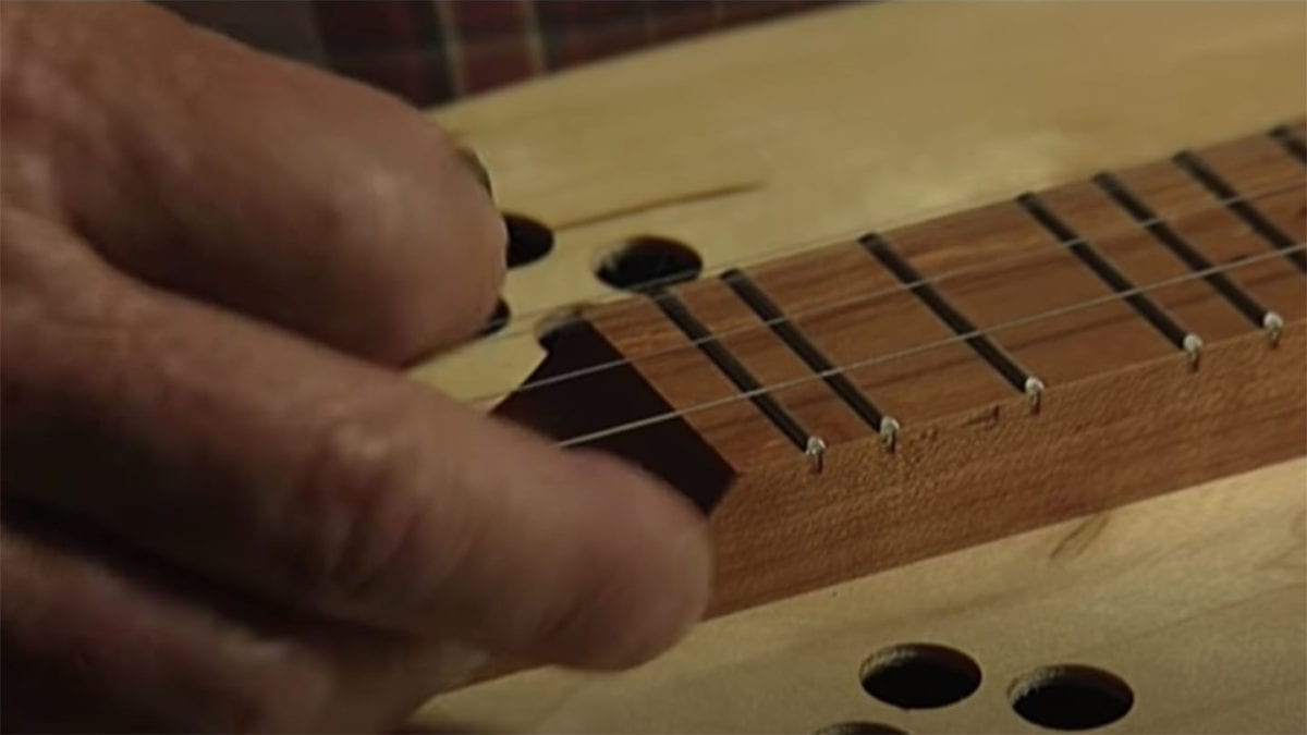 Bill Lawson - Dulcimer Maker on NPT's Tennessee Crossroads